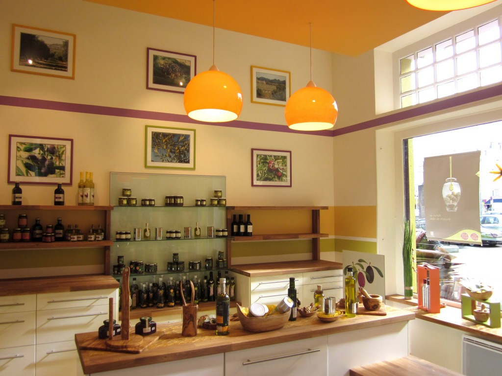 agencement brest agencement de magasin fruit s d olives brest et cr ation de logo. Black Bedroom Furniture Sets. Home Design Ideas