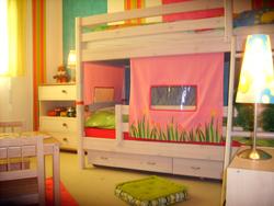 Décoration de chambre d\'enfants en turquoise et rose | Décoratrice ...
